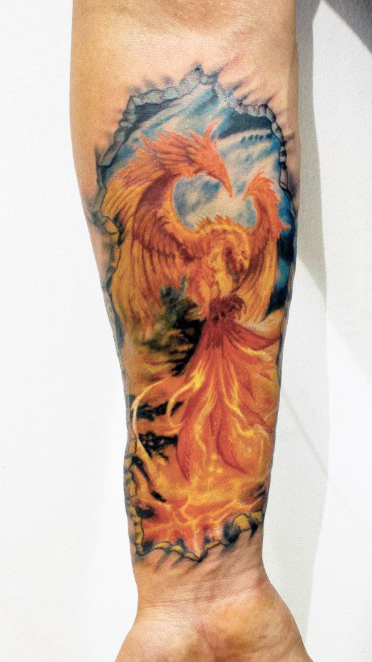 Intalnire de fata tatuata